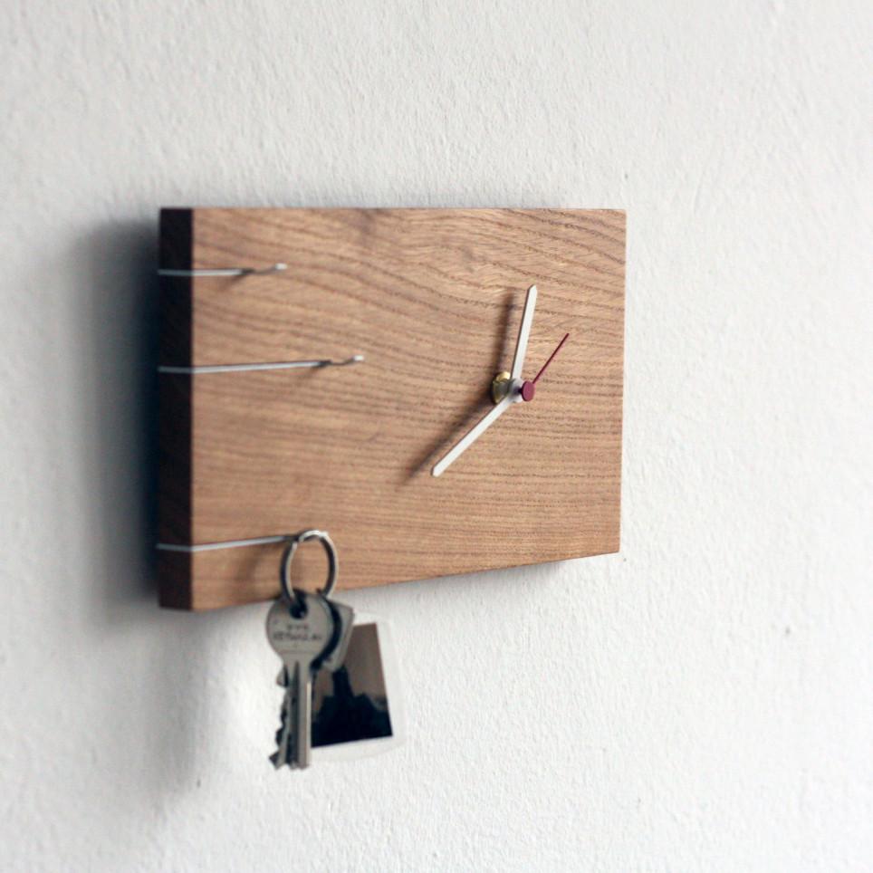 NOVA Schlüsselboard Uhr
