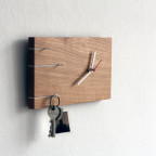 NOVA key holder with clock